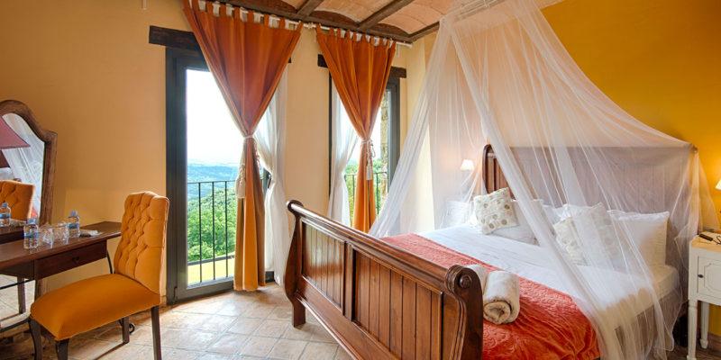 Habitación naranja Hotel Mas Prat