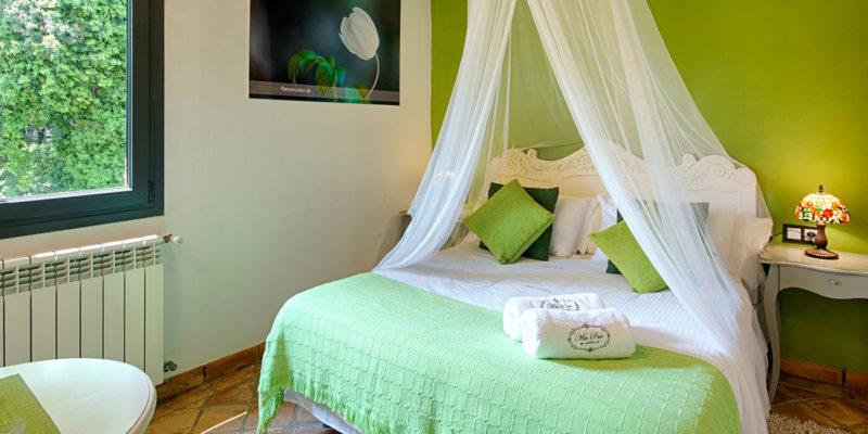 Habitación verde Hotel Mas Prat